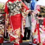 【成人式の由来】1月15日祝日の意味や振袖や袴を着る理由を教えて
